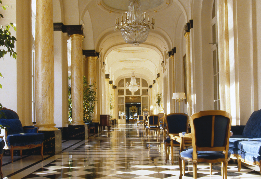 Trianon palace versailles hip hotels for Versailles paris